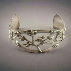 Ring or bracelet