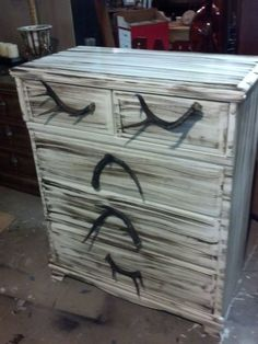 First find some REAL deer antlers (that is what hubbys are… Deer Decor, Rustic Decor, Rustic Furniture, Diy Furniture, Luxury Furniture, Hunting Bedroom, House Ideas, Cabin Ideas, Antler Crafts