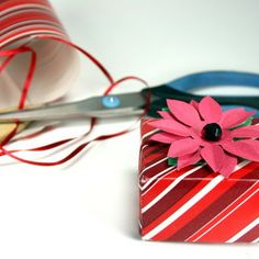 "Make a Holiday Gift Box and ""Bow"" for Cheap"
