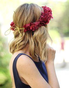 invitada-boda-corona-flores (2)11