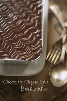 New chocolate recipes desserts lava cakes Ideas Chocolate Lava Cake, Chocolate Cheese, Oatmeal Chocolate Chip Cookies, Chocolate Desserts, Chocolate Box, Cream Cheese Homemade, Cheesecake Recipes, Dessert Recipes, Resep Cake