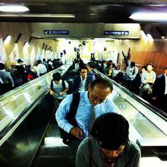 Interminable.. #tokyometro - @el_shimi- #webstagram