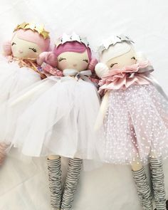 I just wanted to make a little note before l release my final dolls for this year. Due to the timing of their availability l can no longer offer Christmas delivery for my overseas customers. Orders sent around Australia will be posted Express Posted xx