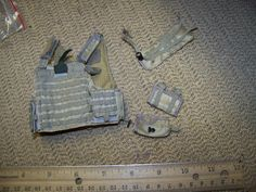 1/6 Scale Hot Toys Desert Body Armor/Rack w/Pouches