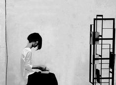 Bibliothèque Weave par Chicako Ibaraki pour Casamania Cyberpunk, Ibaraki, Design Furniture, Library Books, Weaving, Blog, Libraries, Ninja, Home Decor