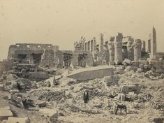 1860 - The temple of El-Karnak, from the south-east. The fallen obelisk and hall of columns. Photographe : Francis Frith