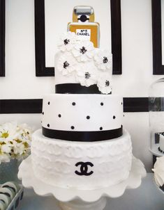 Wow -- Coco Chanel cake for Chanel-themed party