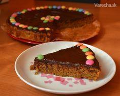 Mrkvovo orechový koláč bez múky