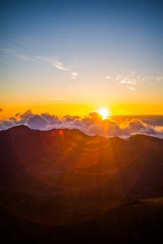 Maui Haleakala Sunrise by Jeremy Morton http://www.hawaiiactive.com/activities/maui-haleakala-sunrise.html