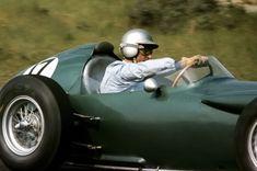 Classic Car News – Classic Car News Pics And Videos From Around The World F1 Racing, Racing Team, Car Photos, Car Pictures, Aston Martin, Bristol, American Racing, Formula 1 Car, Vintage Race Car