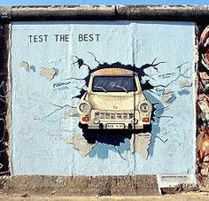 Deutsch macht Spaß Test the Best / test the Rest, Birgit Kinder. Deutsch macht Spaß Test the Best / test the Rest, Birgit Kinder. Wall Art Decor, Wall Art Prints, Photographie Street Art, Street Art Utopia, Fun Test, Graffiti Wall Art, Brick In The Wall, Street Art Photography, Rest