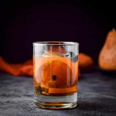 Classic Old Fashioned Cocktail Recipe, Old Fashioned Mix Recipe, Old Fashioned Drink, Old Fashion Cocktail Recipe, Old Fashioned Recipes, Old Fashioned Glass, Whiskey Cocktails, Holiday Cocktails, Cocktail Drinks