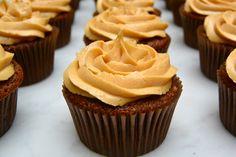 Prueba nuestros cupcakes de mantequilla de maní y chocolate! Te encantaran :)
