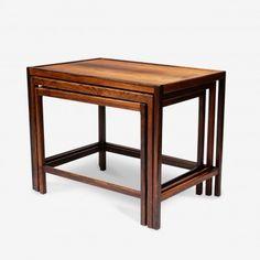 Série de trois tables gigognes scandinaves années 50 à retrouver sur Kolectiv Design