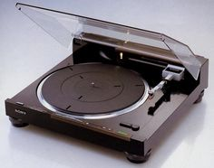 SONY PS-X800 (launched 1981)