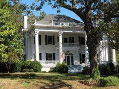 Charm House - Clarkesville, GA