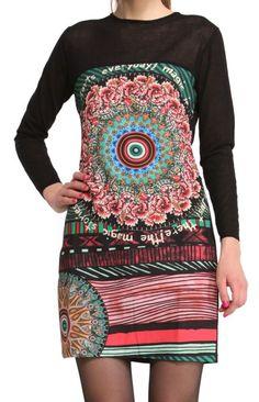 Este vestido de Desigual es original y alegre, lo que todas necesitamos para nuestros días de rutina.  #moda #alegre #divertida #Desigual #mujer #vestido