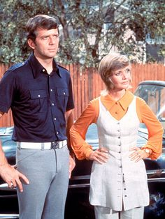 Mike Brady - hot dad of the 70s. http://www.ivillage.com/hottest-tv-dads/1-a-531543