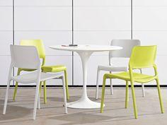 Knoll Saarinen Round Outdoor Dining Table by Eero Saarinen - Chaplins