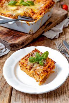 Lasagne Bolognese mit Bechamelsoße - Rezept - Sweets & Lifestyle® Gnocchi, Food And Drink, Pizza, Kitchens, Food Ideas, Noodles