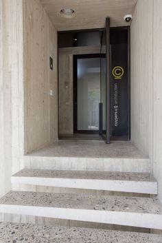 tot op de keien afgeschuurde en gepolierde beton, zowel vr binnen als buiten
