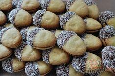 Pamlsek veverky obalený v čokoládě a kokosu Toblerone, Pretzel Bites, Hamburger, Sweet Tooth, Bread, Food, Petra, Advent, Winter