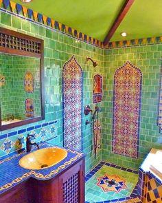boho Bathroom Decor Green bathroom is of course also great. boho Bathroom Decor Green bathroom is of course also great. Bohemian Bathroom, Bohemian Decor, Moroccan Bathroom, Bohemian Style, Mosaic Bathroom, Bohemian Interior, Bathroom Mirrors, Bathroom Cabinets, Boho Hippie