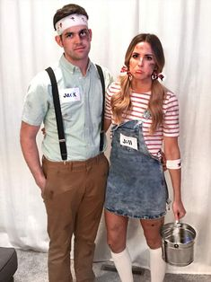 Couples Costumes: 41 Easy Ideas for Couples Halloween Costumes - Sugar & Cloth: DIY Halloween Costumes for Couples. See all the couples costume ideas here! Costume Halloween, Boo Halloween, Halloween Mignon, Creative Halloween Costumes, Halloween Outfits, Halloween 2019, Happy Halloween, Creative Couple Costumes, Bonnie And Clyde Halloween Costume