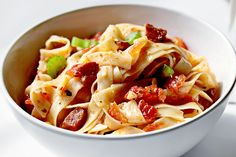 Pasta With Bacon And Tomato Sauce