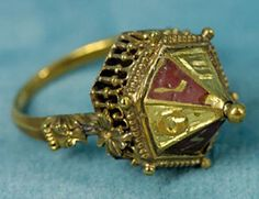 Jewish betrothal rings are one of history's most beautiful secrets. Their sophisticated craftsmanship and distinctive elegance has remained unparalleled, despite the rings almost being forgotten by Jewish communities for hundreds of years. Jewish Jewelry, Medieval Jewelry, Ancient Jewelry, Antique Jewelry, Vintage Jewelry, Antique Rings, Cles Antiques, Tumi, 14th Century