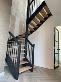 Open Stairs, Loft Stairs, Open Trap, 2 Bed House, Stair Makeover, Black House, Home Interior Design, Home And Living, Future House
