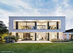 CUBE Magazin Frankfurt | Cube Magazin Minimalist Architecture, Modern Architecture House, Architecture Design, Modern House Facades, Modern House Plans, Modern Villa Design, Contemporary Design, Beautiful House Plans, Casas Containers