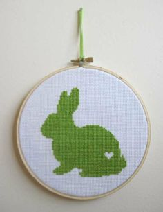 I think I need to try my hand at embroidery just to make this...