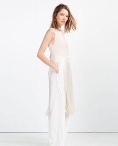 Image 1 de TUNIQUE LONGUE PLISSÉE de Zara