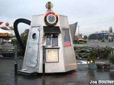 Coffee Pot drive-thru - a Washington State franchise in 2004 that apparently didn't succeed.