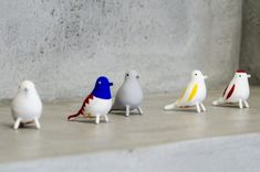 張り子作家、前田ビバリーさんが手がける鳥のオブジェは酉年にちなんで作られたもの。並べておくだけで空間に柔らかさをもたらしてくれる。
