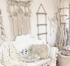 Natural textures and tones. Enhance your very own sanctuary and design your styl. by Suma Living🌴 Boho Chic Interior, Bohemian Bedroom Design, Bohemian Bedding, Interior Design, Diy Bedroom Decor, Living Room Decor, Tapestry Bedding, Boho Tapestry, Textures And Tones