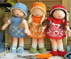 precious dolls!  i had one simular to these and reminds me of my nan.......