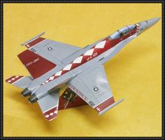 This aircraft paper model is a Boeing Super Hornet, a twin-engine carrier-based multirole fighter aircraft, the papercraft is recolored by Kim usin Paper Car, Paper Toys, Paper Crafts, Aircraft Pictures, Aeroplanes, Paper Models, Hornet, Free Paper, Military