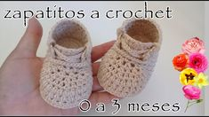 Crochet Baby Shoes From 0 To 3 Months - We Love Crochet Crochet Sandals, Crochet Baby Booties, Crochet Slippers, Love Crochet, Crochet For Kids, Knit Crochet, Baby Boots, Baby Girl Shoes, Free Baby Patterns