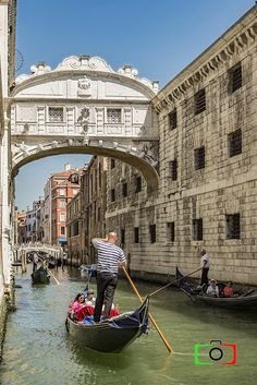 Italy. Italian photography pictures Venice Sigh Bridge
