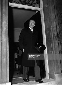 British statesman Sir Anthony Eden leaves 10 Downing Street, London, for Buckingham Palace to hand in his resignation as prime minister. Political Leaders, Politics, First Prime Minister, Sir Anthony, British Prime Ministers, Winston Churchill, Buckingham Palace, Britain, Vintage Fashion