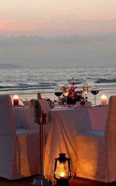 Romantic Honeymoon, Romantic Dates, Romantic Dinners, Romantic Ideas, Cool Pictures For Wallpaper, Santorini House, Paradise Places, At Home Dates, Romantic Surprise