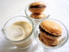 Winter is the time for boozy desserts and while I am not a huge fan of the rum soaked fruit cake, I do like a little liqueur in my desserts. Macarons, New Recipes, Cake Recipes, American Cookie, Macaron Flavors, My Dessert, Ketogenic Recipes, Yummy Treats, Recipes