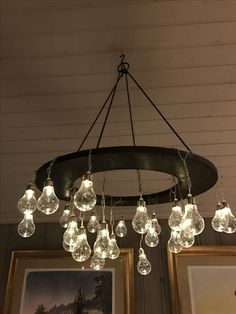 Lamp with lightbulbs