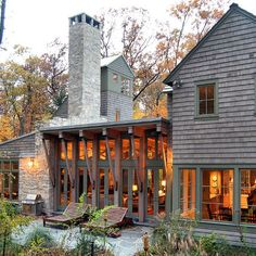 Gorgeous! Exterior Photos Prarie Style Raised Ranch Design, Pictures, Remodel, Decor and Ideas - page 3