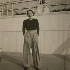 Marlene Dietrich, 1932, le pantalon large et le petit pull