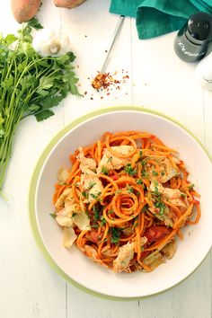8. Tomato Sweet Potato Noodles With Chicken and Artichokes #vegetable #noodles http://greatist.com/eat/alternative-noodle-recipes