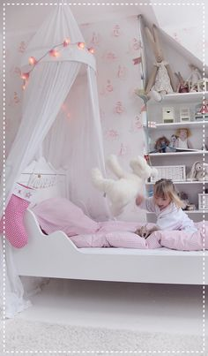 Pink girls room / roze meisjeskamer kinderkamer