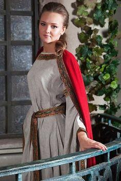 """Mittelalter Umhang aus Wolle und Kleid aus Leinen """"Anna von Kiew """"http://armstreet.de/shop/gewandung/mittelalter-kleid-aus-leinen-anna-von-kiew Kleid:"""